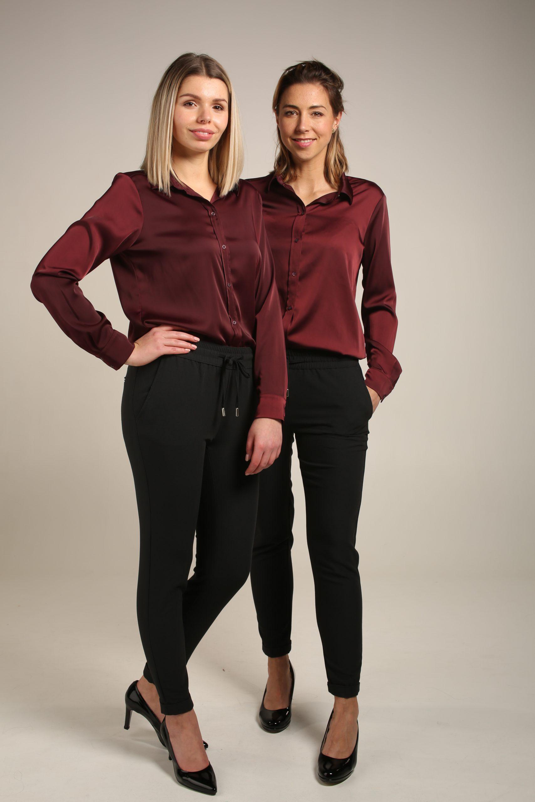Zwarte broek & Bordeau blouse
